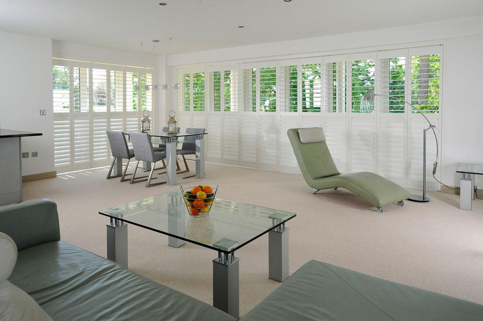 Plantation Shutters with Tracking System