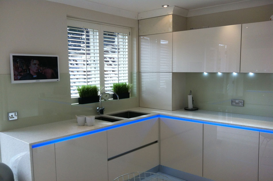 Wood Shutters for Kitchens and Bathrooms